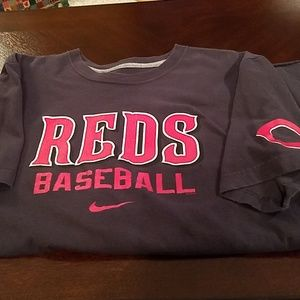 5 for $25🤩 Reds short Sleeve T